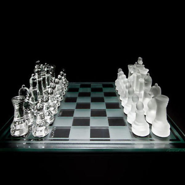 New 35cm X 35cm Large 32 Piece Glass Chess Set With Glass