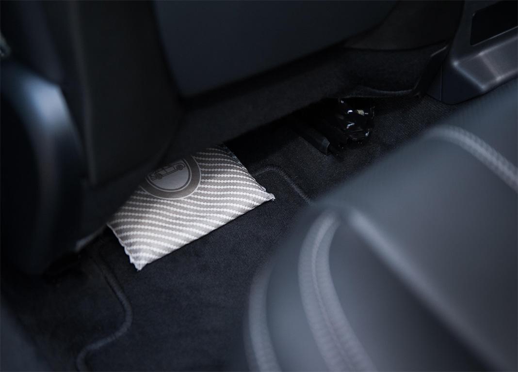 Hasil gambar untuk silica gel for car